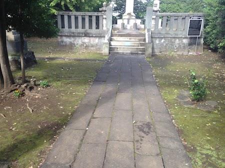 青山霊園の大久保利通の墓