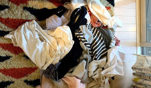 全自動洗濯物たたみ機「ランドロイド」開発元破綻にみる共働き夫婦にとっての洗濯物たたみについて