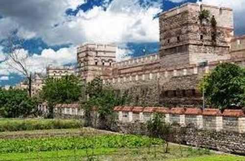 コンスタンティノープルの城壁