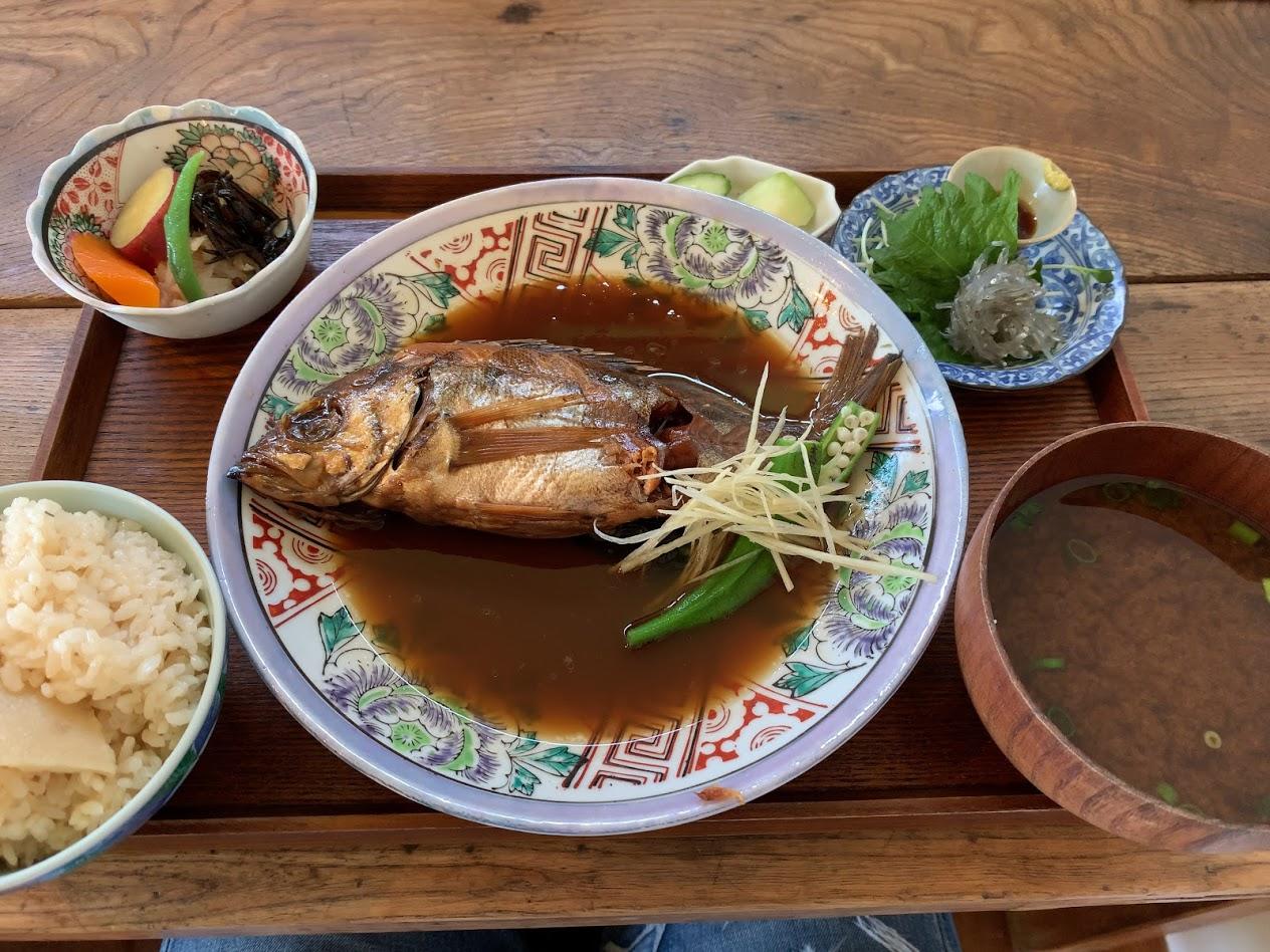 㠀舎魚の煮付け定食その1