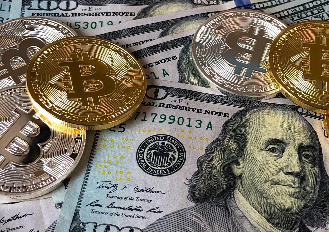 虚構が生み出した貨幣